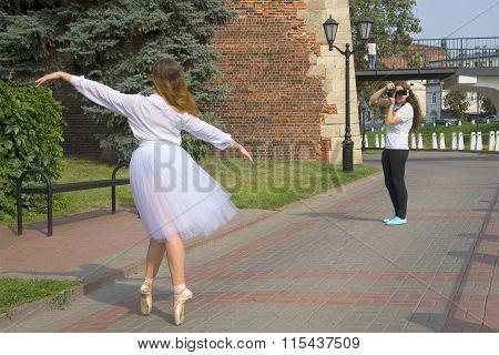 Photo shoot at the walls of Nizhny Novgorod Kremlin
