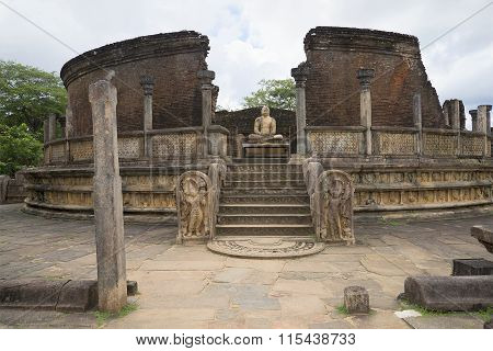Ruins of Vatadage (terrace of the tooth of the Buddha) in the archaeological complex of Polonnaruwa