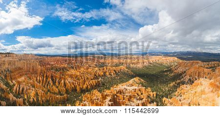 Amphitheater seen from Bryce Point in the late afternoon, Bryce Canyon National Park, Utah, USA. Panoramic photo