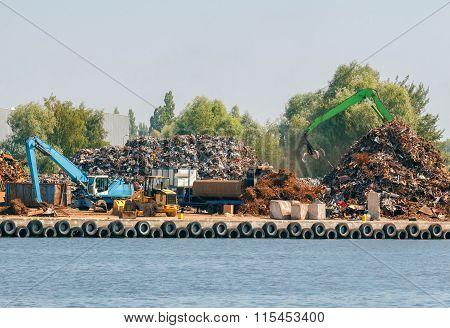 Gdansk. Sorting of scrap metal.