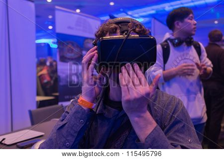 Man Tries Virtual Reality Headset