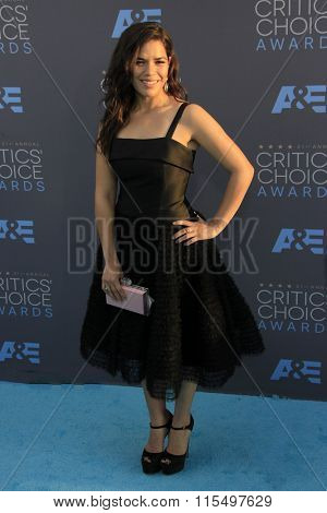 LOS ANGELES - JAN 17:  America Ferrera at the 21st Annual Critics Choice Awards at the Barker Hanger on January 17, 2016 in Santa Monica, CA