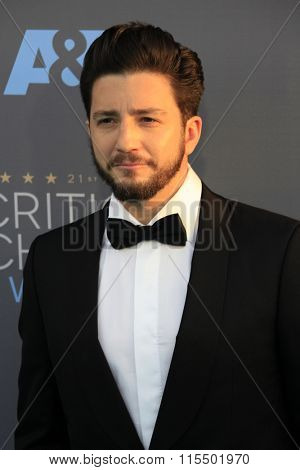 LOS ANGELES - JAN 17:  John Magaro at the 21st Annual Critics Choice Awards at the Barker Hanger on January 17, 2016 in Santa Monica, CA