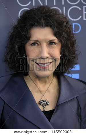 LOS ANGELES - JAN 17:  Lily Tomlin at the 21st Annual Critics Choice Awards at the Barker Hanger on January 17, 2016 in Santa Monica, CA