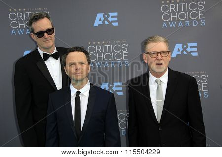 LOS ANGELES - JAN 17:  John Cameron, Noah Hawley, Warren Littlefield at the 21st Annual Critics Choice Awards at the Barker Hanger on January 17, 2016 in Santa Monica, CA