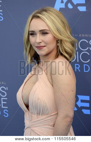 LOS ANGELES - JAN 17:  Hayden Panettiere at the 21st Annual Critics Choice Awards at the Barker Hanger on January 17, 2016 in Santa Monica, CA