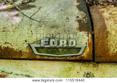 Rusty Ford Logo