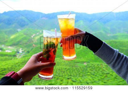 fresh mint tea and peach tea
