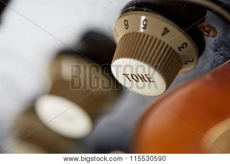 Tone knob on guitar