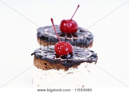 cakes with cherry
