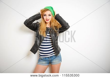 Street Style Hipster Girl in Spring Clothes