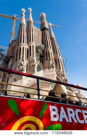 Sagrada Familia and Bus Tour Banner
