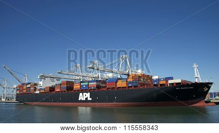 APL BARCELONA at the Port of Oakland