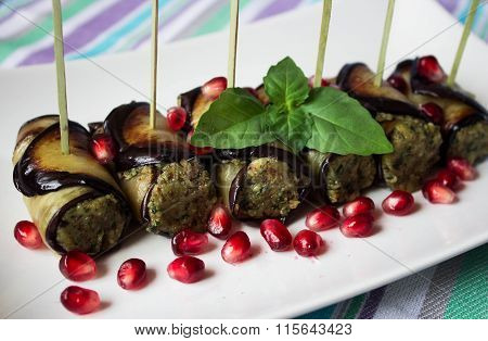 Eggplant rolls with nuts