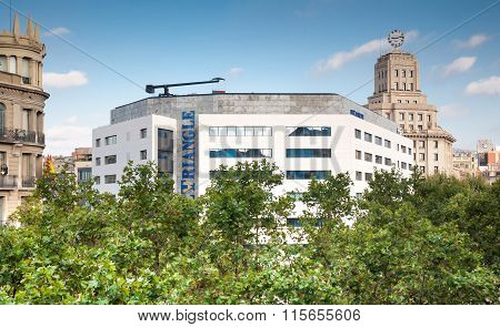 El Triangle Building