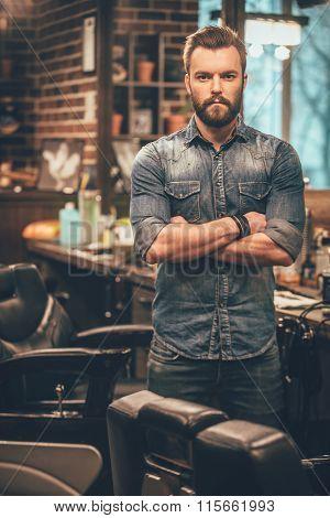 Confident Barber Expert.