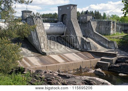 Dam With No Water