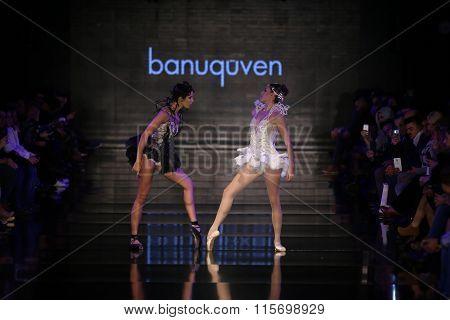 Banu Guven Catwalk