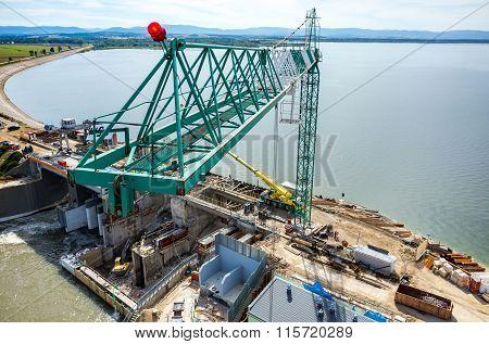 Modern Dam Reconstruction