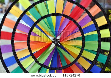 Rainbow wind pinwheel spinner detail