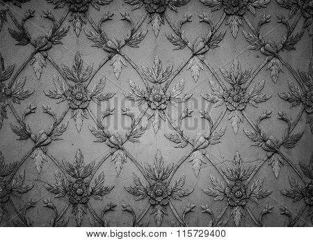 Flower Shape Line Of Old Stucco Work