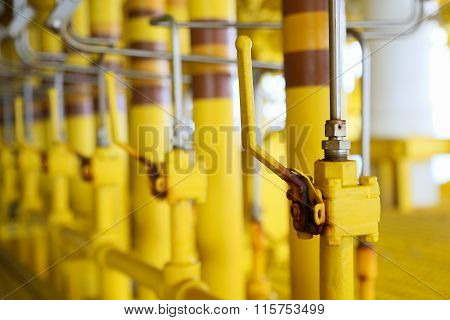 pipelines on oil and gas platform for production, Oil and gas process and control by automation system, Operator control product in oil and gas industry.