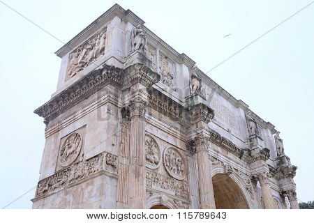 triumphal arch in Roma, Italy