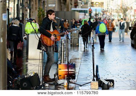 Glasgow Busker