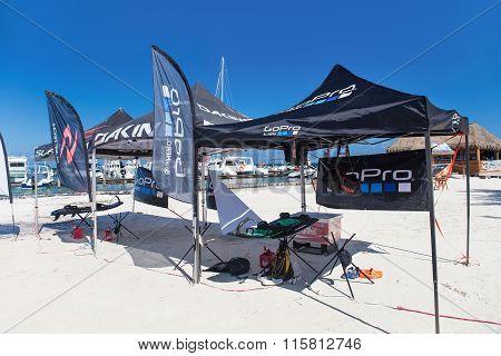 Marina Chac-chi, 1St Carrera Nacional Jet Surf 2015, Go Pro Tent On Beach