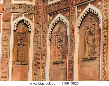 Details Of The Red Fort In Agra