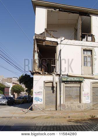 Earthquake Of Chile February 2010 In Valparaiso 4