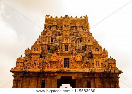 Top Of The Entrance Gopuram Of Brihadeeswarar Temple