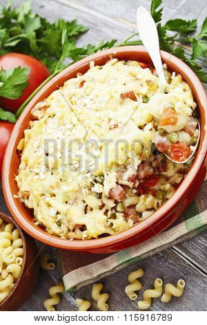 Baked Pasta With Bacon And Green Peas