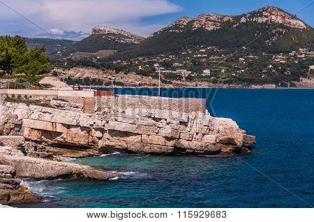 Coast of France next Cassis city