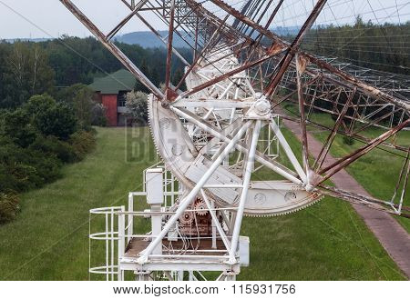 The rotating mechanism of the russian radiotelescope to study pulsars.