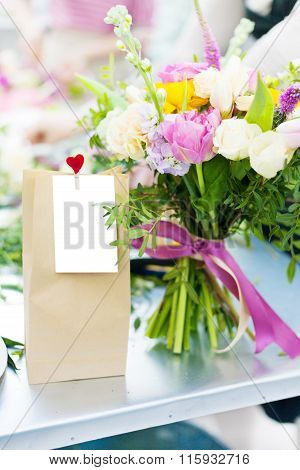 Valentine Gift Pack With Flowers
