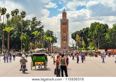 MARRAKESH, MOROCCO, APRIL 3, 2015: Jemaa el-Fnaa square