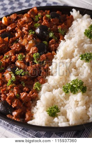 Latin American Cuisine: Picadillo A La Habanera With Rice, Vertical