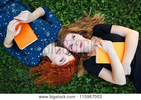 Best Girlfriends Are Students On Lawn.