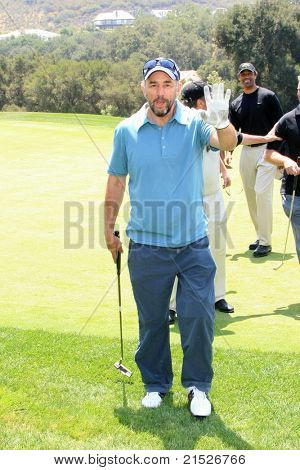 THOUSAND OAKS - JUN 11: Richard Schiff at the Paley Center for Media Fifth Annual Celebrity Golf Classic held at the exclusive Sherwood Country Club in Thousand Oaks, California on June 11, 2007