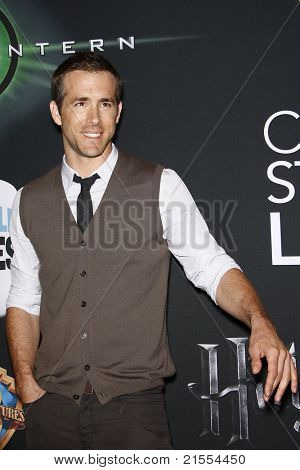LAS VEGAS - MAR 31: Ryan Reynolds at a Warner Bros. Pictures presentation to promote the new film, 'Green Lantern' at Caesars Palace during CinemaCon on March 31, 2011.