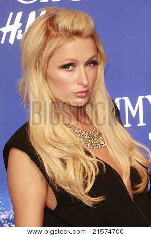 LOS ANGELES - NOV 2: Paris Hilton at the Jimmy Choo for H&M Collection private event in support of the Motion Picture & Television Fund in Beverly Hills, California on November 02, 2009