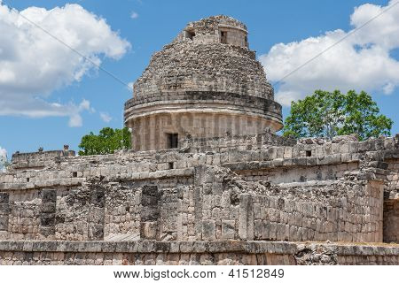 El Caracol,temple In Chichen Itza, Mexico