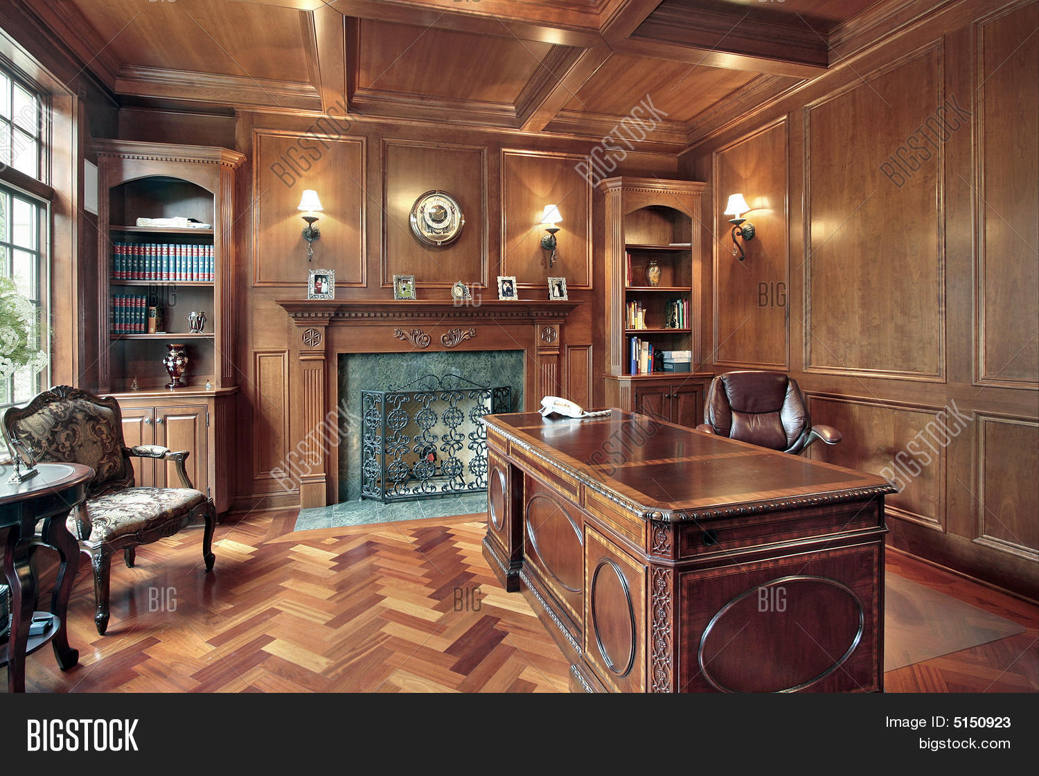 Wood Paneled Office With Fireplace - Wood Paneled Office With Fireplace Stock Photo & Stock Images