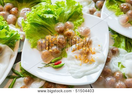 Steamed Rice Skin Dumpling And Tapioca Balls With Pork Filling