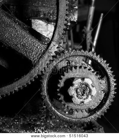Dirty Gear in monotone color