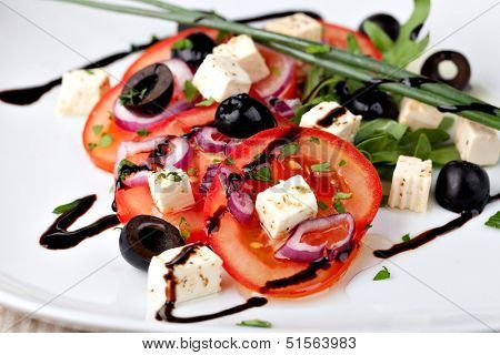 vegetable salad with feta cheese