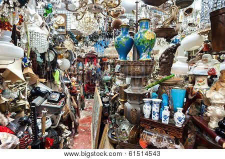 Cluttered Junk Shop At Upper Lascar Row Antique Market, Hong Kong