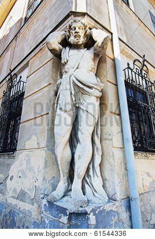 Atlant Statue