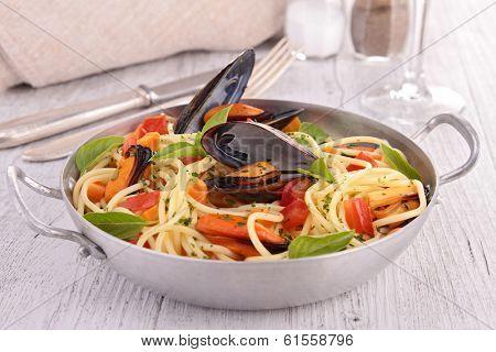 pasta and crustacean